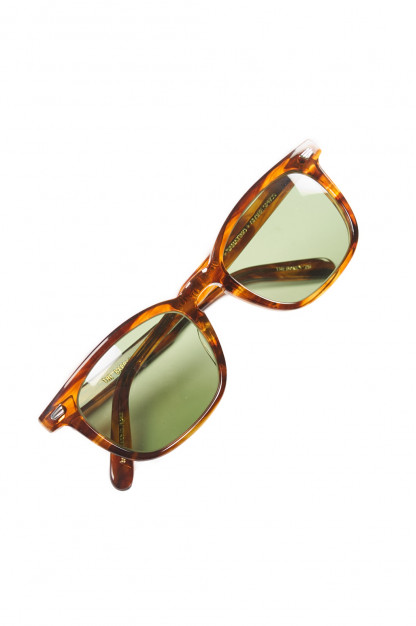 Globe Specs = The Barracks - The Boney - Tortoise