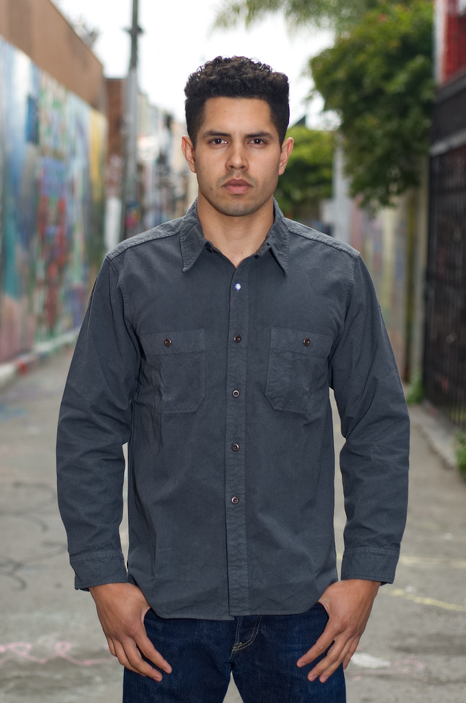 seuvas_workshirt_charcoal_xl_01-680x1025