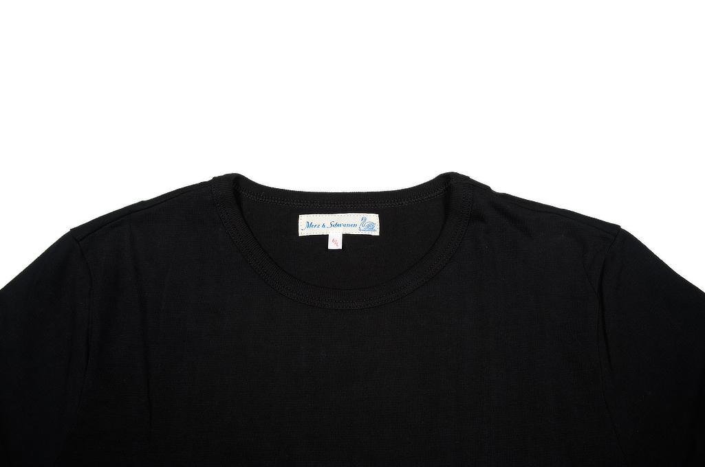 Merz. B Schwanen 2-Thread Heavy Weight T-Shirt - Deep Black Pocket - Image 3