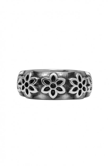Good Art Little Rosettes Band Ring