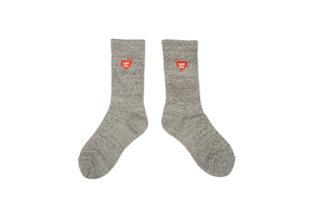 hm_pile_socks_grayblue_05-1025x680.jpg
