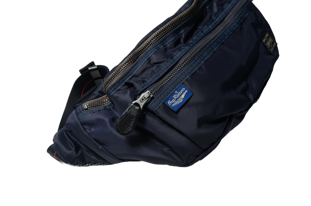 br_porter_navy_shoulderbag_03-1025x680.j