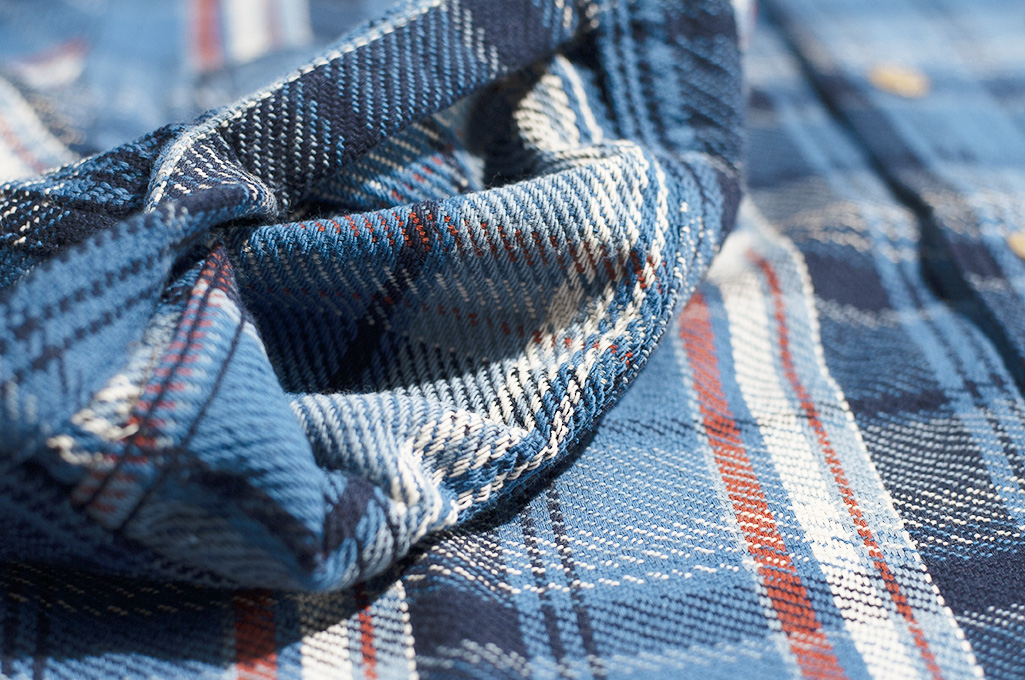 Studio D'Artisan Winter Flannel - Blue Kush - Image 11