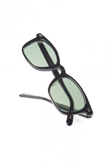 Globe Specs = The Barracks - The Boney / Black