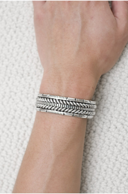 Self Edge Wire Depth Bracelet
